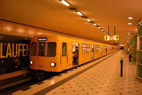 Diese U9 Steht Am 16122014 In Der Ubahn Station