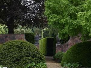 Englischer Garten Anlegen : immergr ne pflanzen gartengestaltung mit heckenpflanzen ~ A.2002-acura-tl-radio.info Haus und Dekorationen