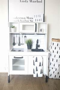 Ikea Duktig Hack : ikea hack duktig play kitchen monochrome makeover ikea duktig hacks kitchen ikea ikea ~ Eleganceandgraceweddings.com Haus und Dekorationen