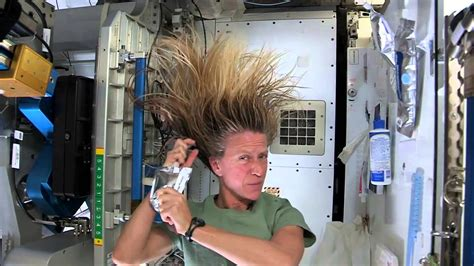 How To Bathe Like A Astronaut Tips How To Wash Your Hair In Space