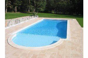 quel dallage pour ma piscine With plage piscine pierre naturelle 1 piscine en pierre naturelle travertin gris carrelage et