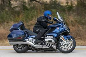 Goldwing 1800 2018 : motor goldwing 1800 ~ Medecine-chirurgie-esthetiques.com Avis de Voitures
