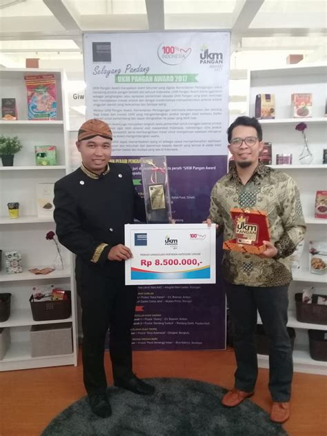 Recommended by the wall street journal. Wisata Edukasi Kampung Cokelat 'Gallerys Chocolate Story' di Kendal - BLOGGER KENDAL