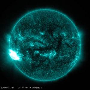 Major solar storm warning over huge new sunspot group ...