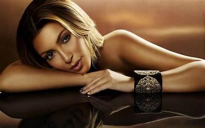 Beauty Curvy Kim Wallpapers Hdwallpapersz Kardashian Hollywood