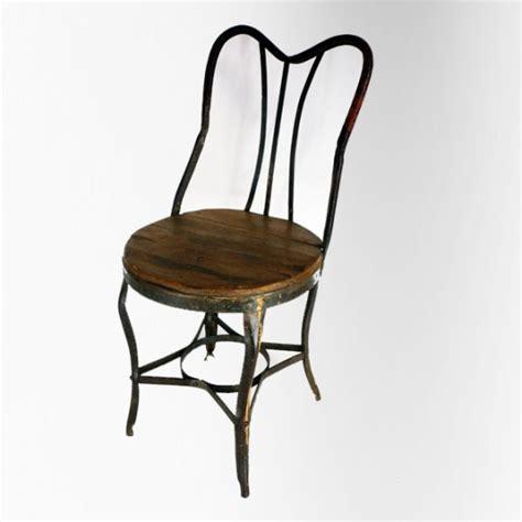 chaise de jardin en fer et bois dossier lyre jdeco