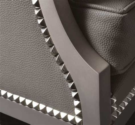 chaise tapissier 103 best images about nailhead pattern stuffs on