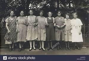 20er Jahre Kleidung Frauen : menschen frauen gruppe 1920er jahre 20er jahre 20 jahrhundert historische historischer ~ Frokenaadalensverden.com Haus und Dekorationen