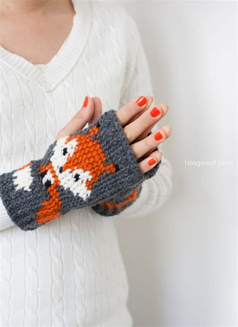 fox fingerless gloves crochet pattern  dog woof