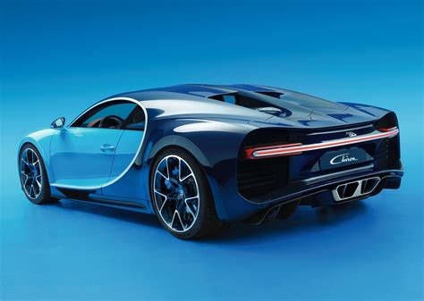 bugatti chiron wallpapers images  pictures backgrounds