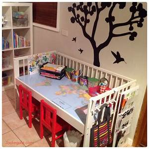 Tisch Und Stühle Kinderzimmer : aus baby bett couch oder tisch bauen kinderzimmer pinterest tisch bauen couch und bett ~ Whattoseeinmadrid.com Haus und Dekorationen