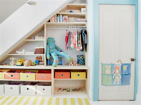 small bedroom ideas storage maximize small space storage hgtv 17168 | 1405429826785