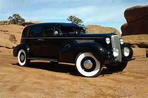 1937 CADILLAC FLEETWOOD SERIES 75 LIMOUSINE