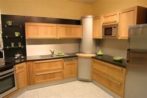 modele cuisine simple modele de cuisine meuble bar With superior meuble ilot central cuisine 16 cuisine bois et noir cuisines en bois cuisines et modles