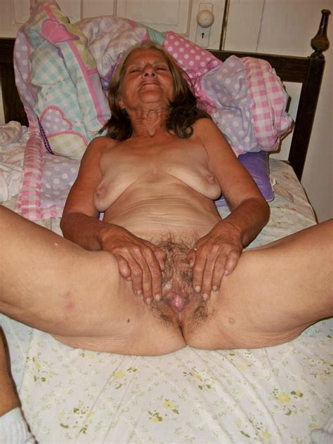 Very Sexy And Hot Amateur Granny With Horny Hairy Pussy