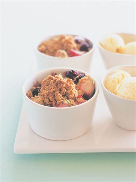easy fruit desserts for dinner 1000 ideas about fruit crumble on crumble recipe fruit and jar desserts