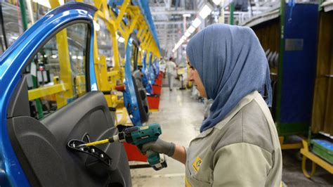 carmakers drive northern moroccos manufacturing industry