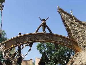 File:Adventureland Disneyland.JPG - Wikipedia