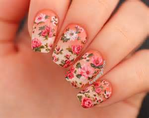 Floral nail art designs for spring season