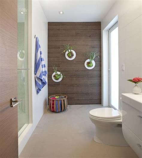 Badezimmer Fliesen Dekorieren by Zimmerpflanzen Deko Bad Modern Wand Fliesen Holz Optik