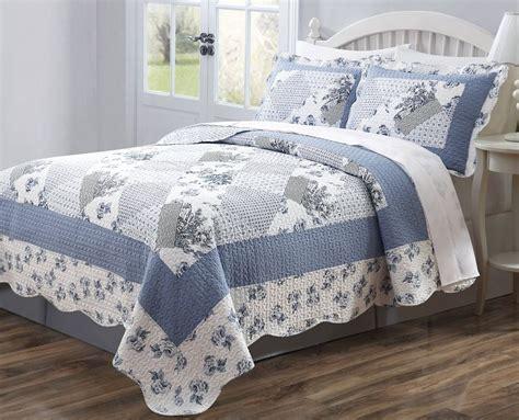 3 Pc Quilt Bedspread Blue & White Floral Patchwork Design