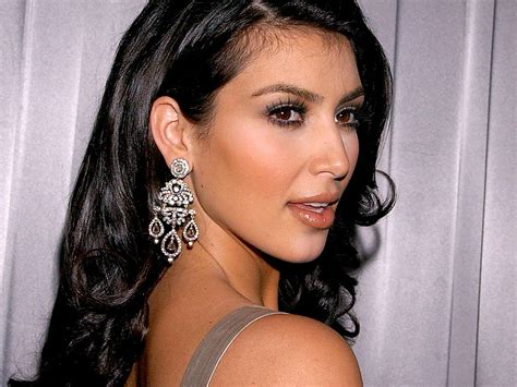 Kim Kardashian Hot Hd Wallapers — Entertainment Exclusive