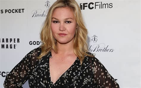 actress julia stiles movies is julia stiles in the new jason bourne movie