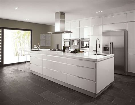 high gloss white kitchen cabinets high end cabinet trim pulls on white high gloss kitchen