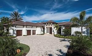 Custom, Estate, Home, With, Elegant, Design, Features, In, Naples