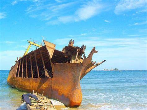 amazing  water shipwrecks urban ghosts