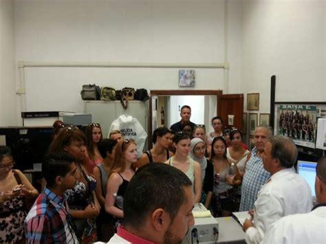 Ufficio Immigrazione Arezzo by In Visita In Questura 25 Studenti Canadesi Aspiranti