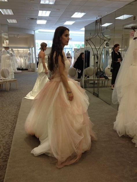 Vera Wang Ivory And Salmon Tulle Ombre Ball Gown With Pick