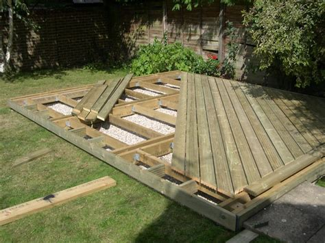 home decking ideas sun deck  berden dek