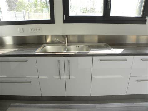 cuisine laquee cuisine blanc laquée avec ilot ciabiz com