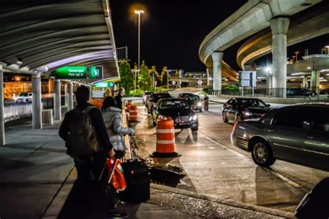 Jfk Airport Limo by How To Transfer Between Jfk Airport And Manhattan