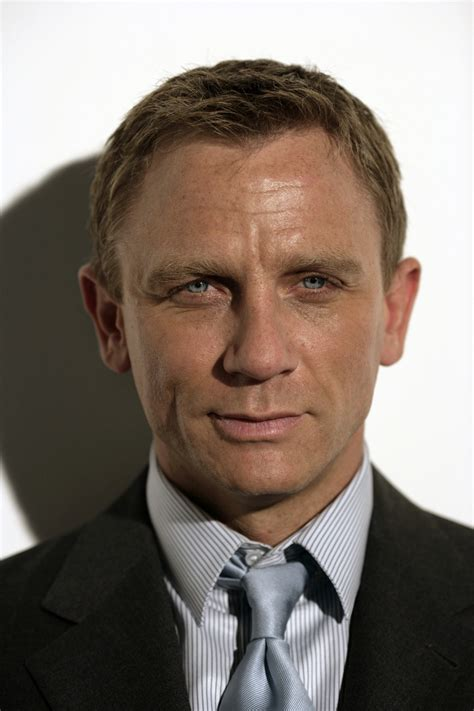 Sep 27, 2021 · daniel craig listed some of the most painful injuries that occurred on the set of his james bond films and revealed that he once broke dave bautista's nose during a fight scene and then ran away at the fear of reprisal. Daniel Craig | Filmek, képek, díjak | Személyiség adatlap ...