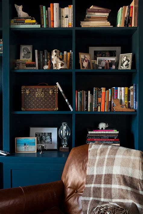 Styling Bookcases by Styling A Bookshelf 10 Homes That Get It Right 5 Tips