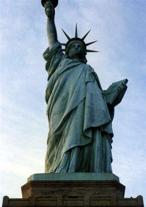 Lade Liberty by The Mathematical Tourist Restoring Liberty