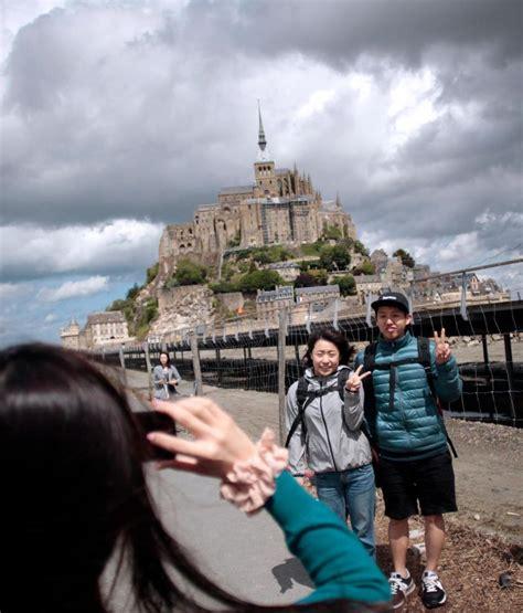 office du tourisme mont michel tourisme 171 au mont michel les japonais ont presque totalement disparu 187 le parisien