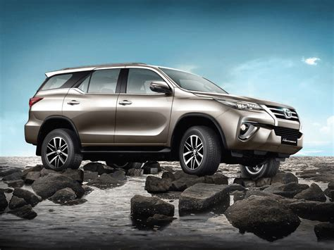 Toyota Fortuner 4k Wallpapers by Fortuner Wallpapers Wallpaper Cave