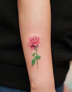 Rose En Tatouage : tatouage rose femme symboliques styles et tendances ~ Farleysfitness.com Idées de Décoration