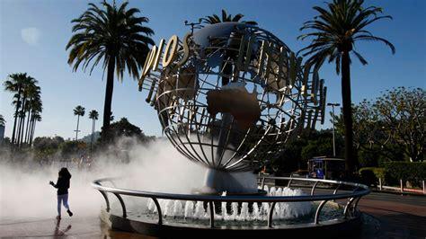 universal studios hollywood  close saturday