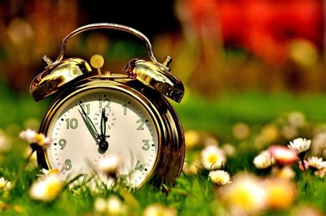 Day Light Saving Time Change by When Does The Time Change End Of Daylight Saving Time