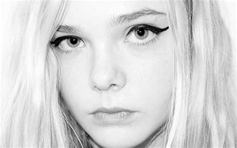 Elle Fanning Wallpapers, Pictures, Images