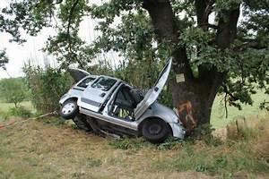Accident De Voitures : une famille enti re d cim e dans un accident de voiture part 302704 ~ Medecine-chirurgie-esthetiques.com Avis de Voitures