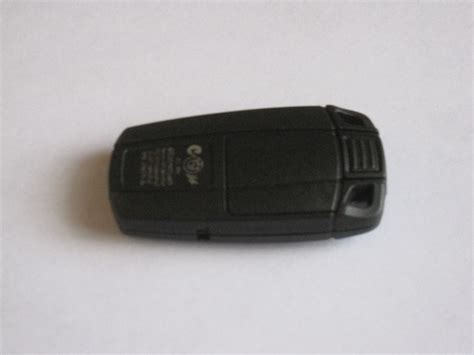 Bmw Battery Replacement by Replacing Battery In Bmw Key Fob