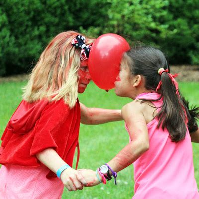 8 relay races for gamesandcelebrations 157 | Balloon Relay Race