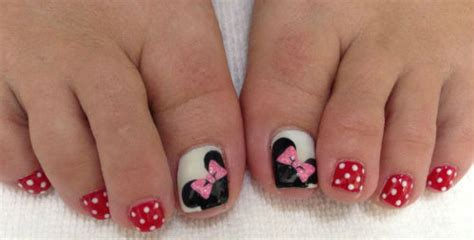 lindisima blog unas de pies decoradas  minnie  micky