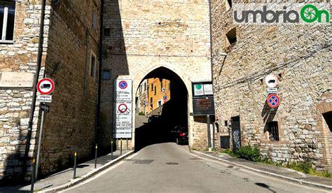 Ufficio Permessi Perugia by Ztl Perugia I Permessi Si Rinnovano In Rete Umbriaon