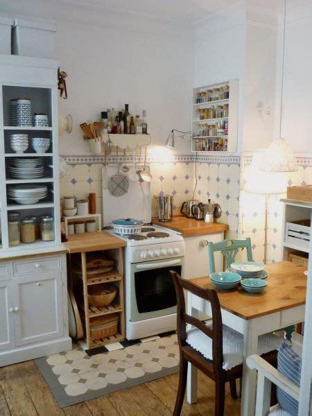 Einrichtung Kleiner Kuechekleine Kueche Aus Holz by Die Sch 246 Nsten K 252 Chen Ideen In 2019 Kitchen Stories